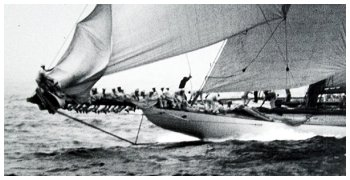 RELIANCE, closeup of action at the bow, 1903